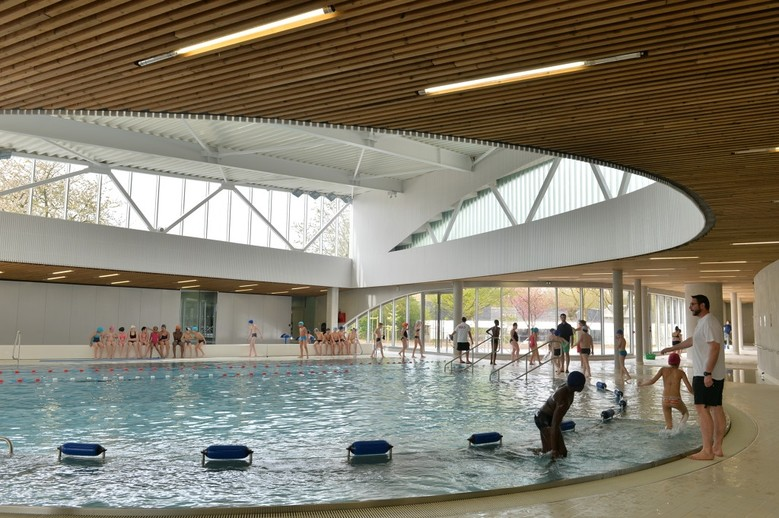 Piscine plein sud actualit s en situation de handicap for Piscine lille